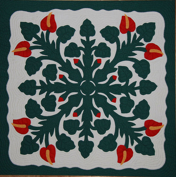 595px-Hawaiian_Applique_Quilt_2