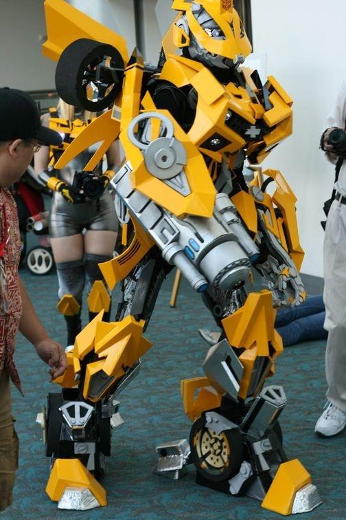 504x_Bumblebee_Comic-Con_02