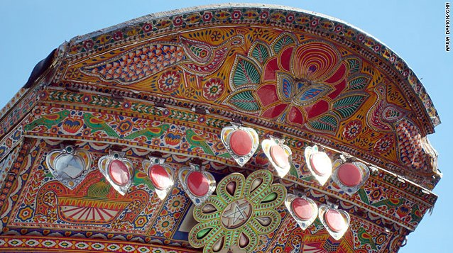 Colorful trucks decorate Pakistan_s roadways - CNN.com-3